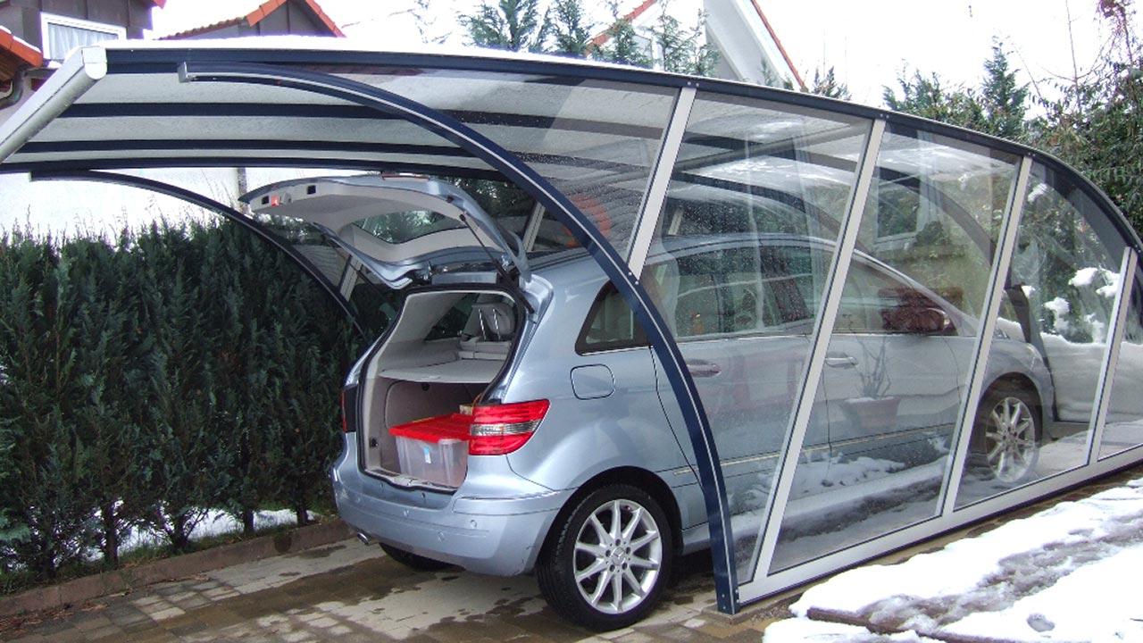 Carport für leichtes Ein- und Ausparken VÖROKA
