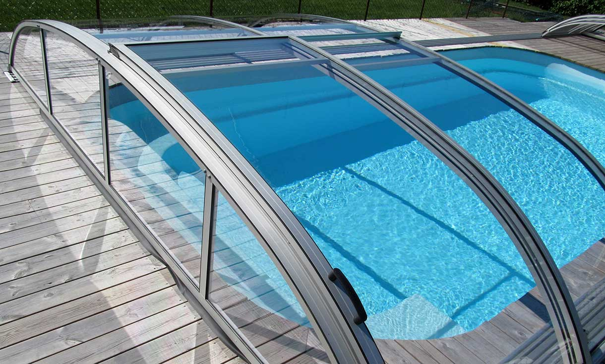 Flat pool roofing / pool cover with sliding roof elements VÖROKA