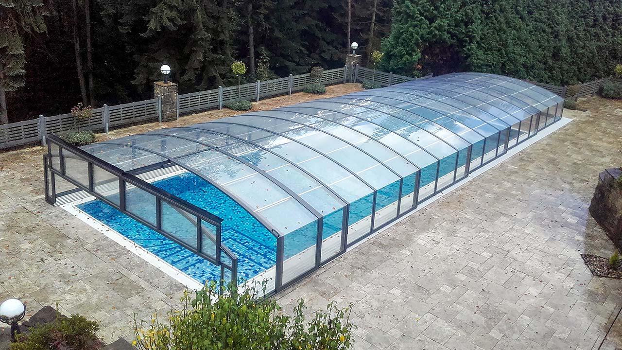 Poolhalle / Pooldach mit Querklappe VÖROKA CARAT