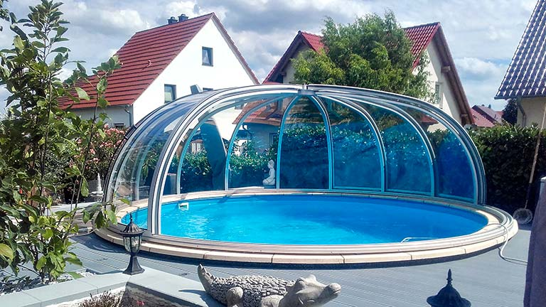 Schwimmbaddach / Schwimmbadüberdachung rund VÖROKA