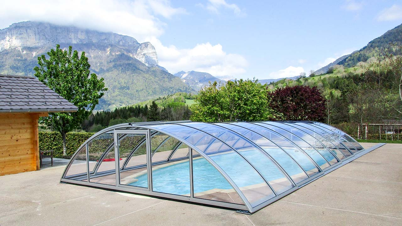 Poolhalle/ Schwimmbaddach halbhoch matt-silber VÖROKA TELEDOM
